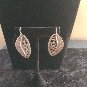 Silpada Sterling Silver Leaf earrings W1979